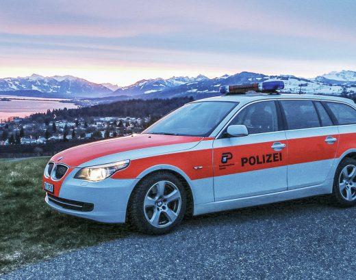 Schweizer Polizei lernt Deutsch für Prüfung