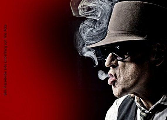 Udo Lindenberg mit Hut und Rauch - Fan Test