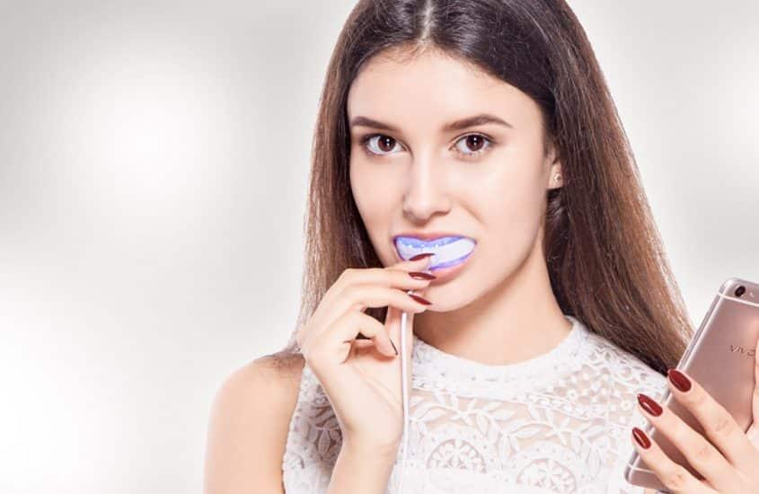 Strahlend weisse Zähne