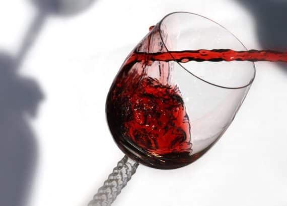 Ein schönes Glas mit selbstgemachtem Wein